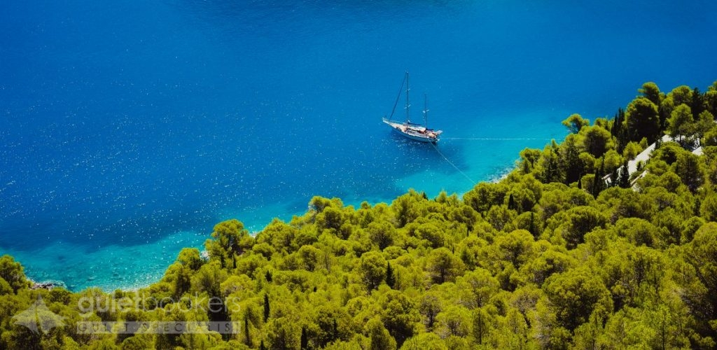 Gulet Yacht in Beautiful Turquoise Bay