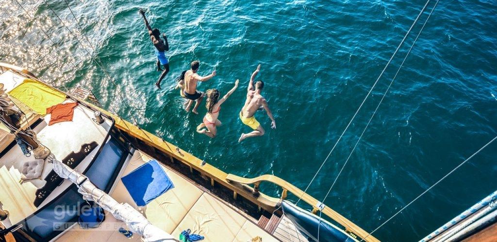 Arkadaş Grupları için Tekne Kiralama