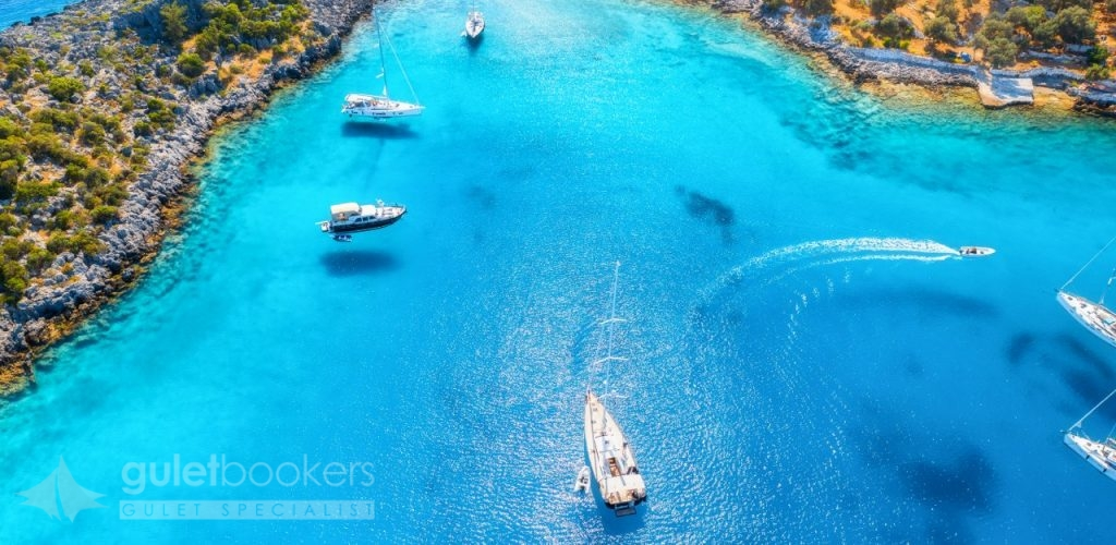 Aquarium Bay Luxury Yachts & Sailboats